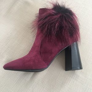 Burgundy suede finish boots with oompoSize 7.5